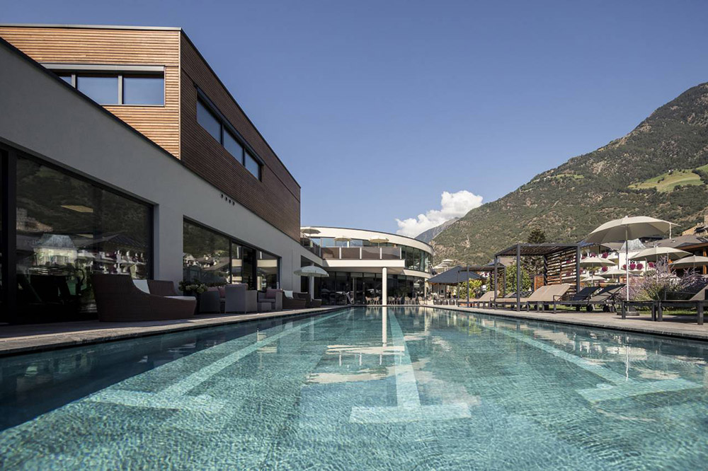 Outdoor Pool Hotel Prokulus
